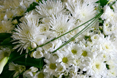 close up of wreath flowers white