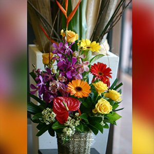 bright-basket-arrangement