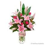 lily-vase-pink