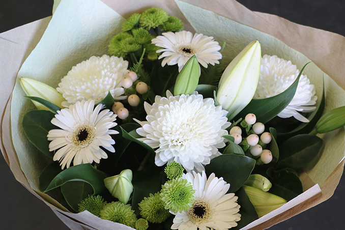 white-and-green-bouquet