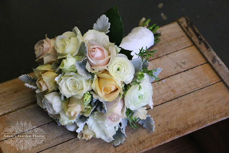 rustic wedding flowers gold coast florist pretty pink ranunculas roses gray pink peach