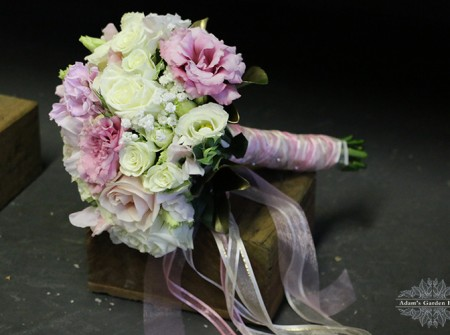 wedding-bouquet-soft roses lisianthus gold coast wedding flowers parkwood