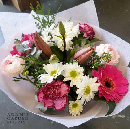 bouquet-simple-pink-white tones