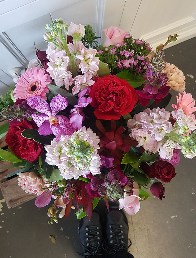 pretty flowers delivery Gold Coast Florist