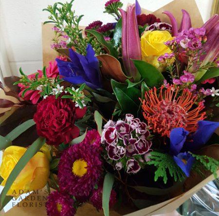 bouquet-cottage-bright mixed tones