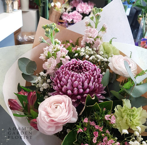 bouquet-cottage-pinks greens burgundy